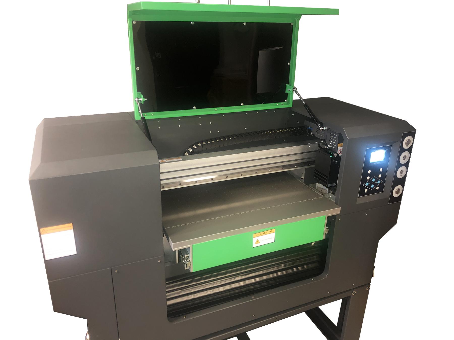 Flachbett UV Drucker von vorne rechts geöffnet